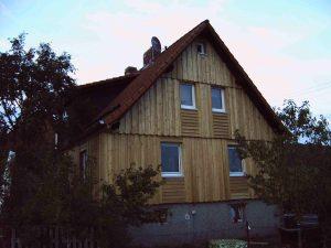 Sanierung mit Wärmedämmung und hinterlüfteter Fassade